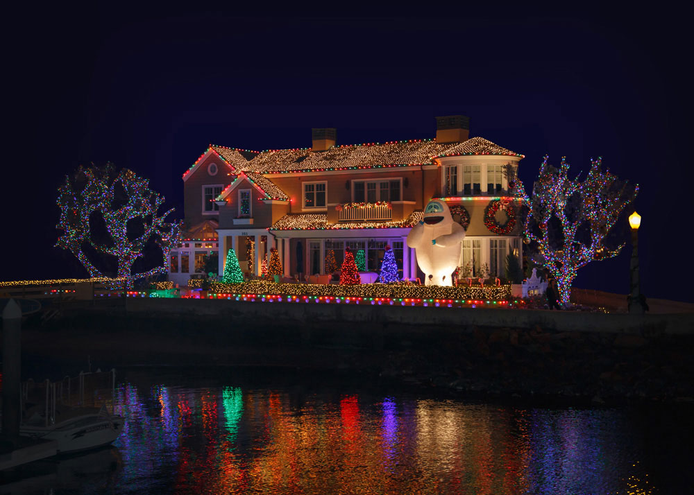 Newport Beach Christmas Boat Parade decorated house
