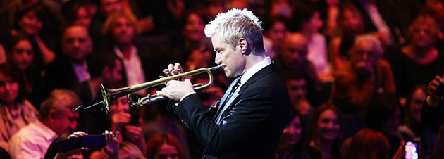 Pacific Symphony presents Chris Botti