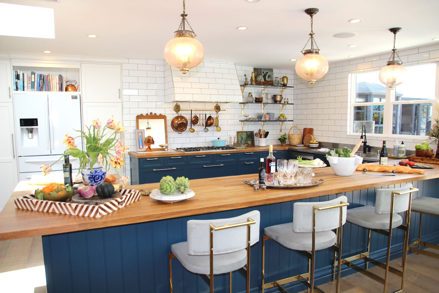 Newport Harbor Home and Garden Tour 1207 Berkshire kitchen with island